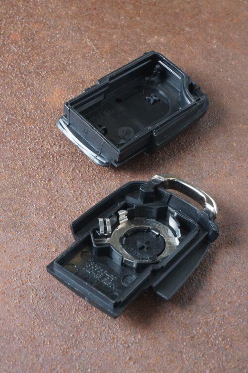 klappschl ssel geh use 2 tasten eckig audi a4 schl ssel. Black Bedroom Furniture Sets. Home Design Ideas
